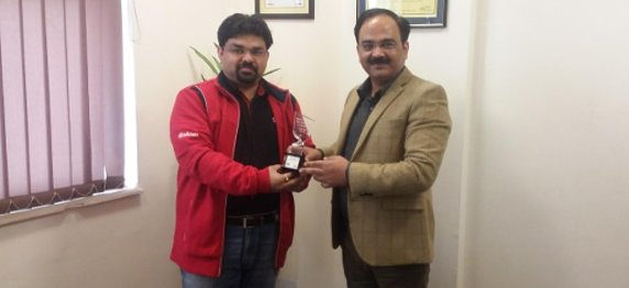 """IMCI Honours Asian Business School, Noida With """"The Best Collaboration Trophy"""""""