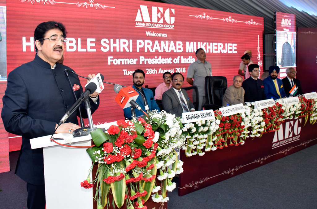 Sh. Pranab Mukherjee at Asian Education Group – Address by Dr. Sandeep Marwah