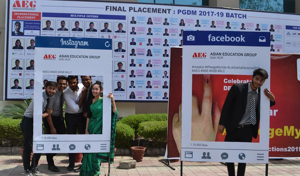 PGDM students of Asian Business School join Asian Education Group's #IPledgeMyVote campaign for a better India with full enthusiasm!