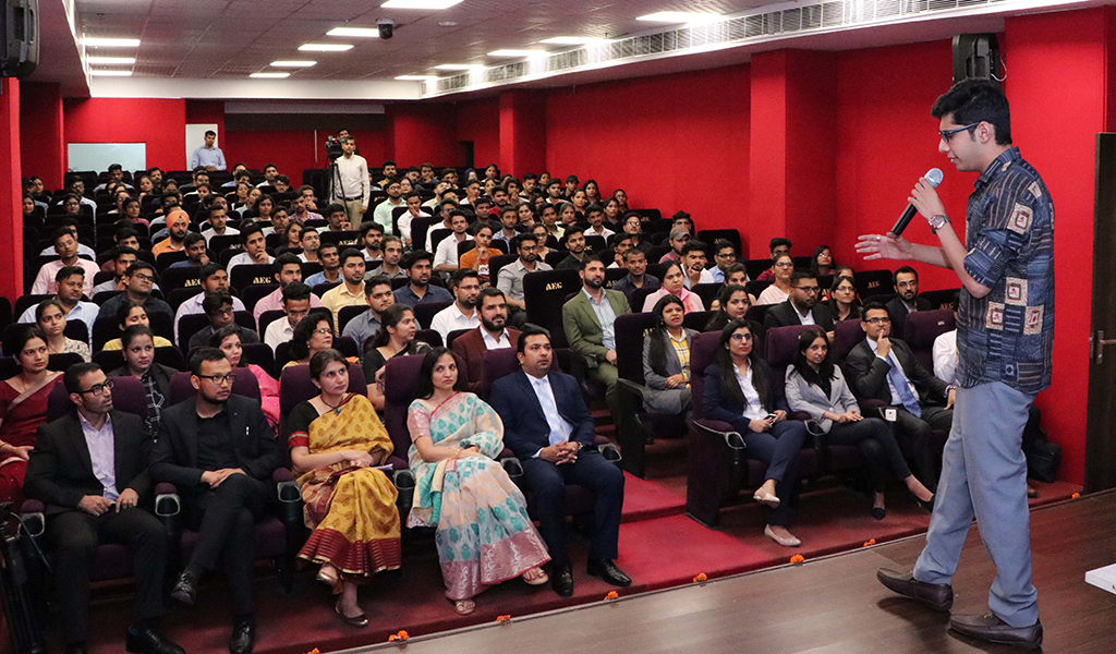 ABS PGDM Orientation 2019: Mr. Farrhad Acidwalla enthralls students with his fascinating LEAD Guest Lecture!