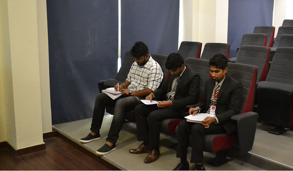 "ABS IT Club, TECHNOCRATS organizes an interesting activity – ""TECH-ANALYZER"" – for PGDM-I students"