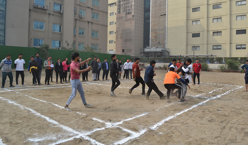 ABS's Sports Club, ATHLEEMA organizes Kabaddi & Tug-O-War Competitions for PGDM Students