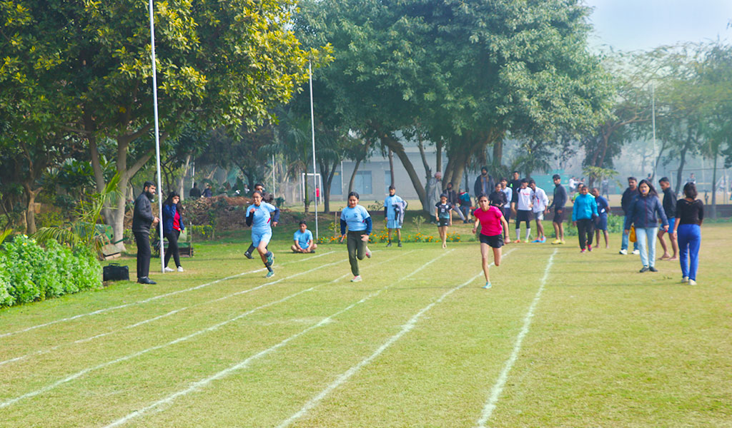 athleema-2020-100-metre-race-at-asian-business-school-noida-abs-noida