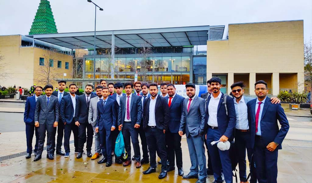 Advantages of PGDM & The Way It Can Boost Your Career